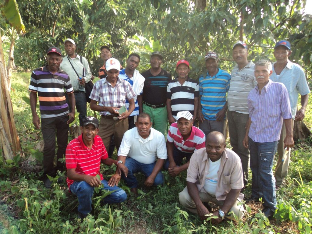Federation Farmers gather for a photo after an agroforestry workshop.